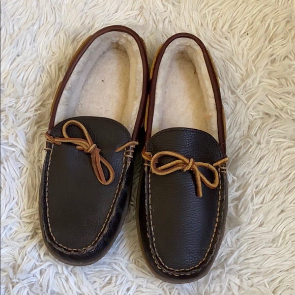 L.L. Bean Other - Men's LL Bean Sherpa lined leather slippers